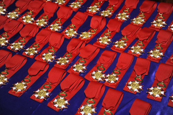 Student Laureate Medallions with Ribbons